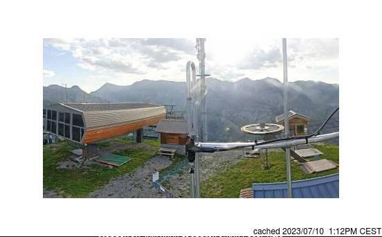dün saat 14:00'te Auron'deki webcam