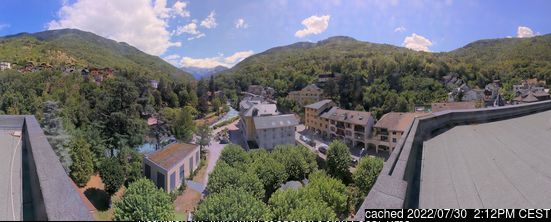 Brides Les Bains webcam at 2pm yesterday
