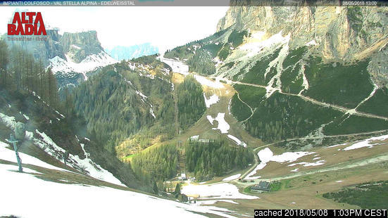 Colfosco (Alta Badia) webcam at lunchtime today