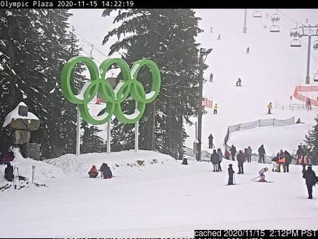 本日ランチタイムのCypress Mountainのウェブカメラ