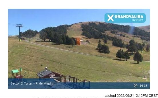 Grandvalira El Tarter webcam at lunchtime today