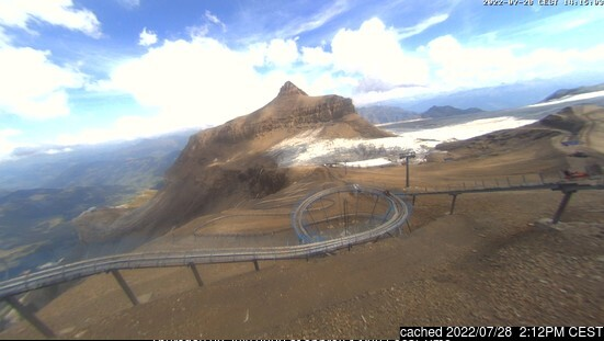 Gstaad Glacier 3000 webcam at 2pm yesterday