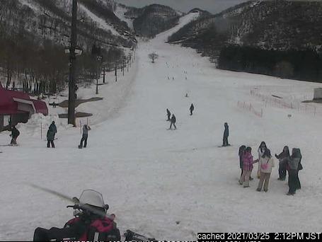 Webcam de Hakuba Cortina Kokusai à midi aujourd'hui