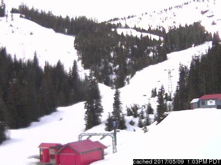 Hemlock Resort webcam at lunchtime today