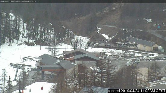 Isola 2000 webcam at lunchtime today