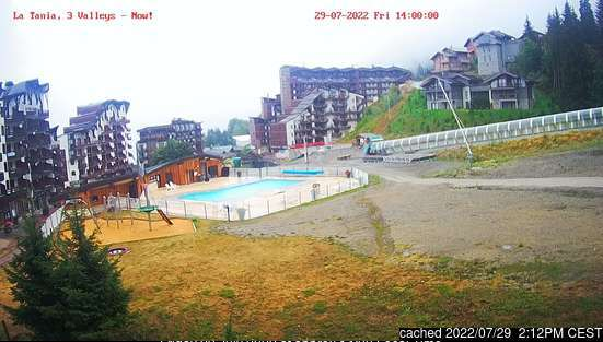 La Tania webcam at 2pm yesterday