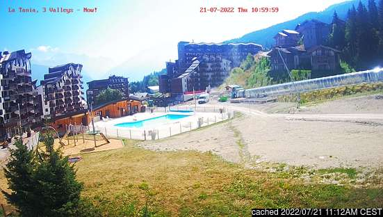 Live webcam for La Tania if available