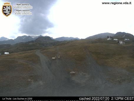 La Thuile webcam at lunchtime today