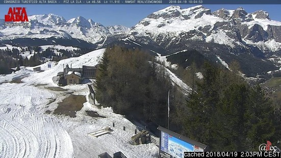 La Villa (Alta Badia) webcam at 2pm yesterday