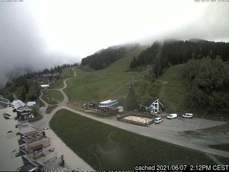 Les 7 Laux webcam at lunchtime today