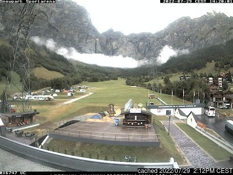 Leukerbad webcam at lunchtime today