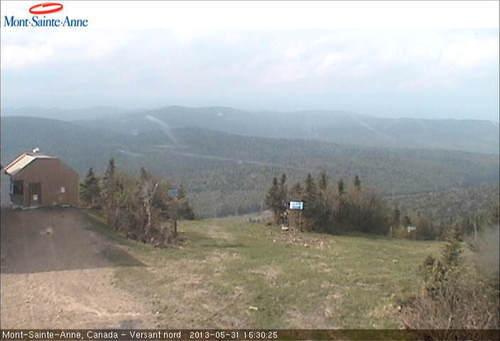 Mont Sainte-Anne webcam op lunchtijd vandaag