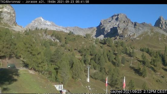 Ovronnaz webcam at lunchtime today