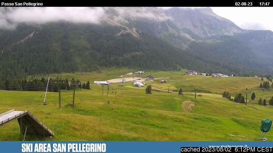 Passo San Pellegrinoの雪を表すウェブカメラのライブ映像