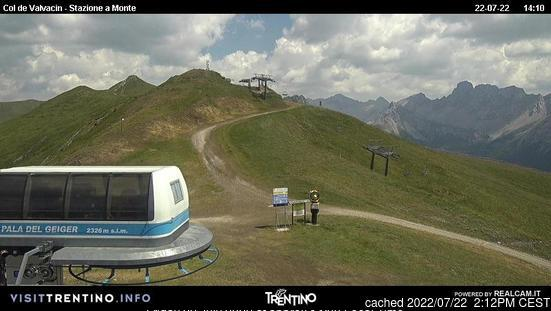 Pozza di Fassa webcam at lunchtime today