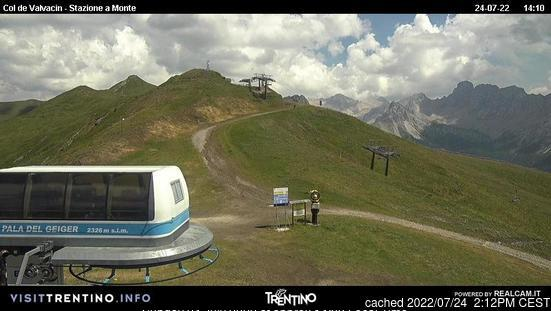 Pozza di Fassa webcam at 2pm yesterday