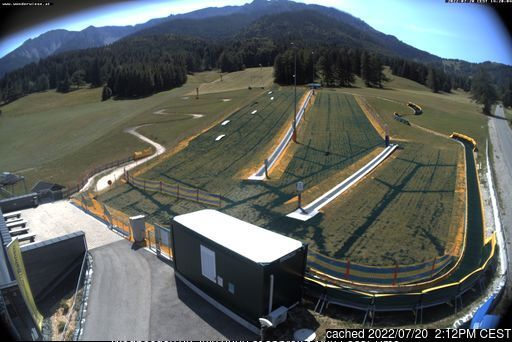 Puchberg am Schneeberg/Salamander webcam at 2pm yesterday