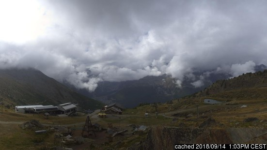 Saas Grund webcam at lunchtime today