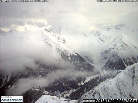 Samnaun webcam at lunchtime today