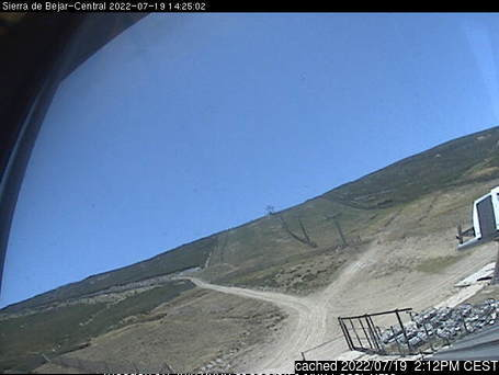 Sierra de Béjar-La Covatilla webcam at lunchtime today