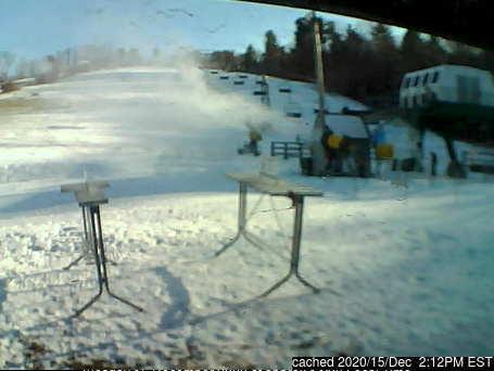 昨日午後2時のSki Ward Ski Areaウェブカメラ