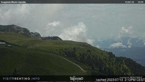 Tesero Pampeago webcam at 2pm yesterday