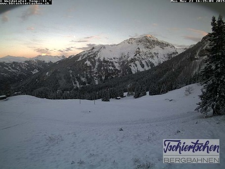 Tschiertschen webcam at lunchtime today