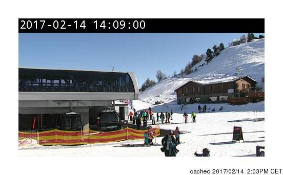 Veysonnaz-Printse webcam at lunchtime today