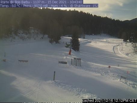 Villard-de-Lans webcam at lunchtime today